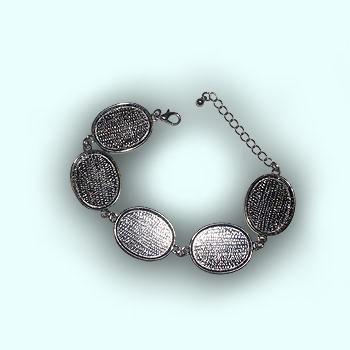 Metal Oval bracelet